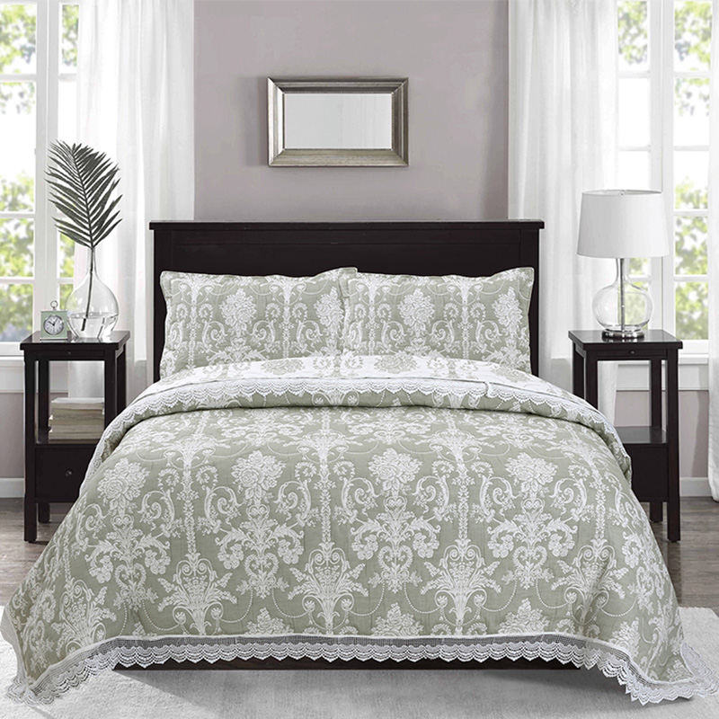 jacquard quilt set with lace