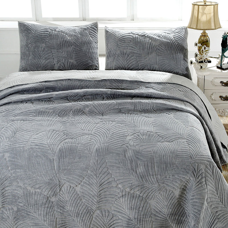 dutch fur embroidery quilt set